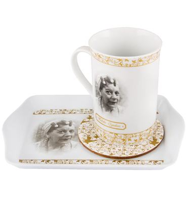 Hilda Ogden Commemorative Coronation Street Tea Time Gift Set